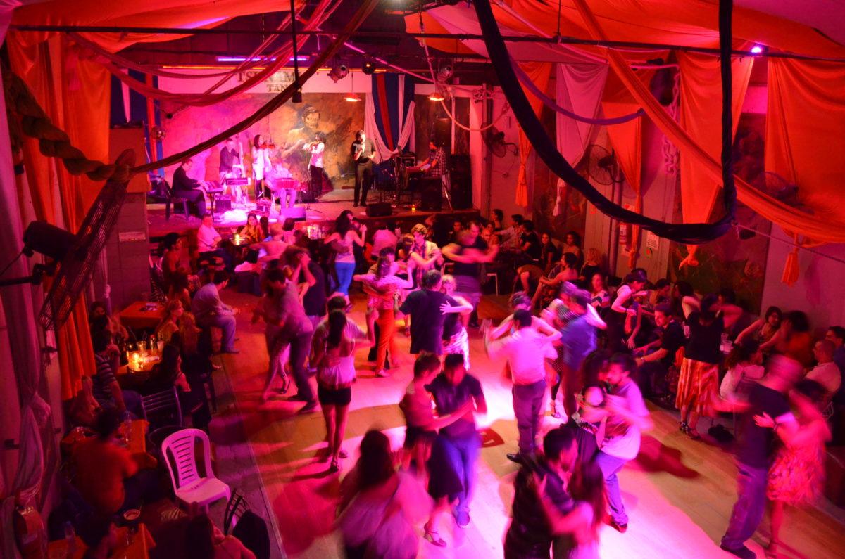 #CuandoEstoPase: Barrio Güemes y sus noches de milonga