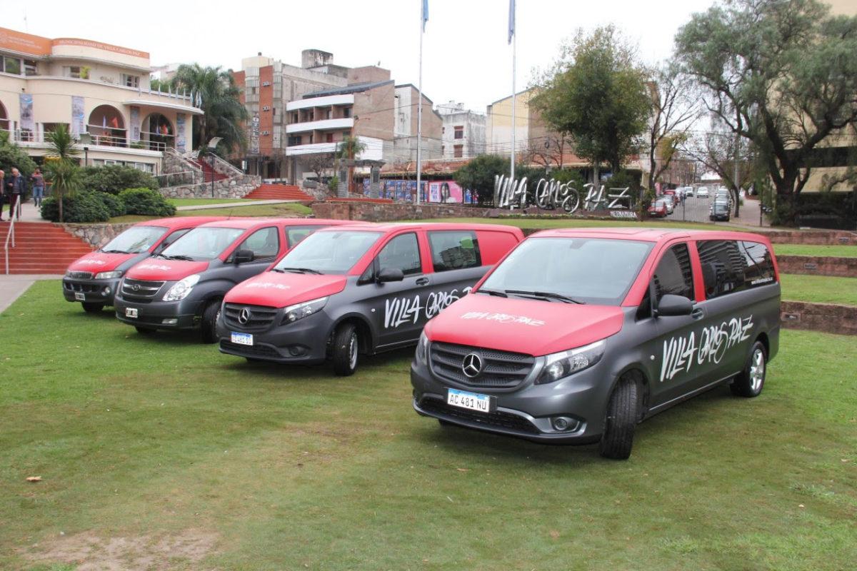Villa Carlos Paz estrena vehículos para promoción turística