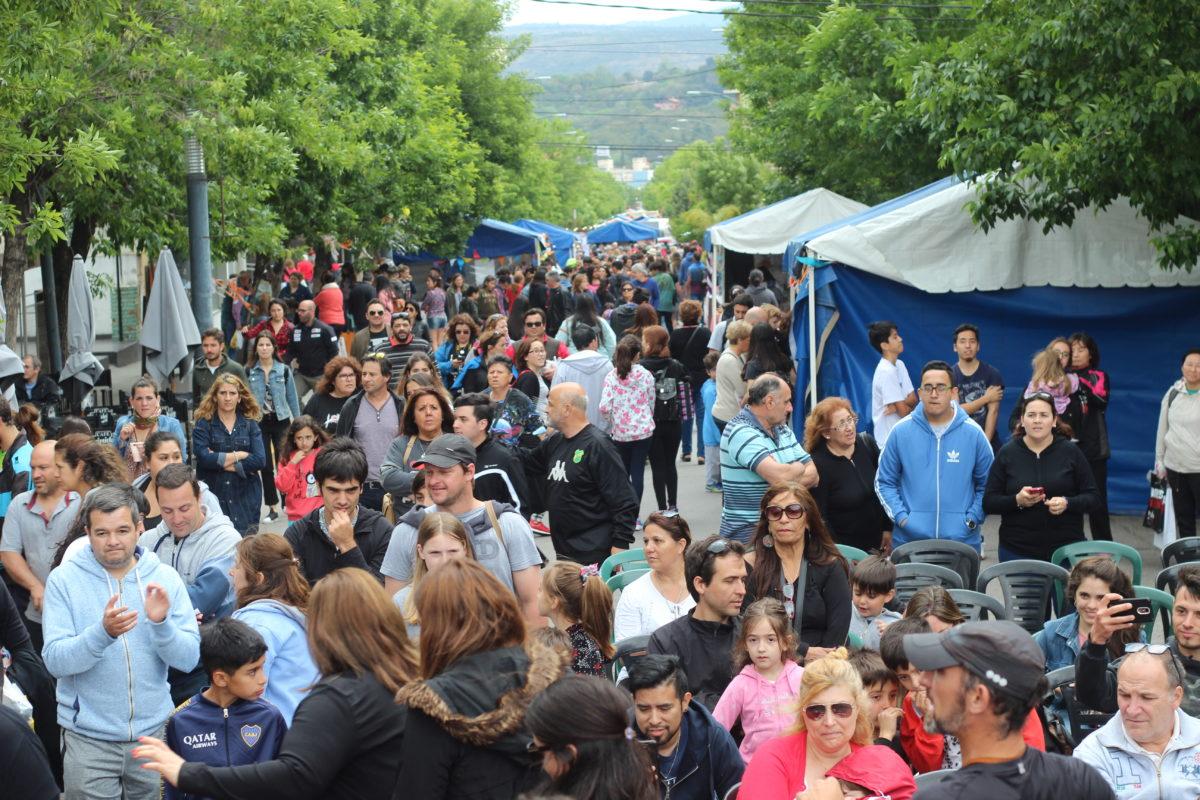 Miles de turistas se movilizaron por Córdoba este fin de semana largo