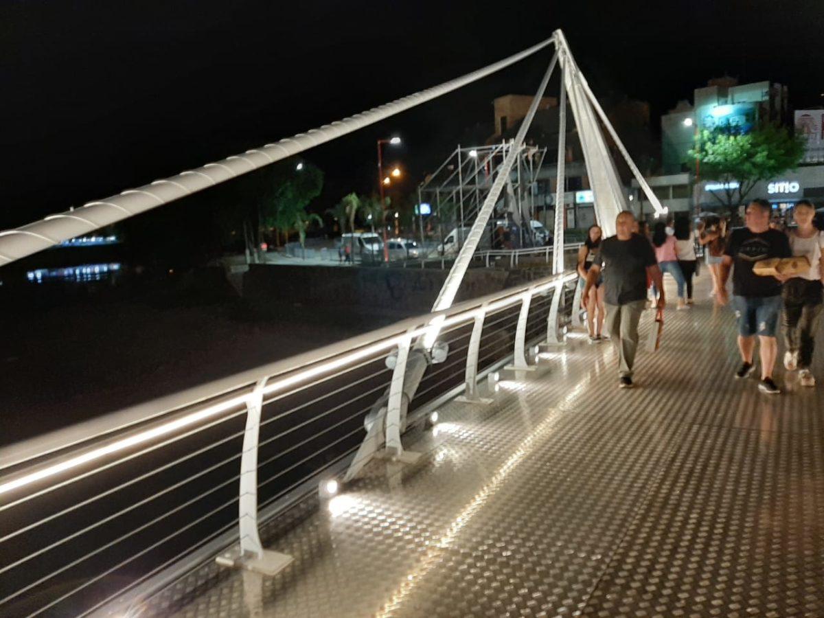 """Obras turísticas: El gobernador inauguró el """"Puente Centenario"""" en Villa Carlos Paz"""
