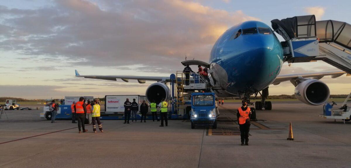 Aerolíneas Argentinas parte a Beijing en busca de 1.000.000 de vacunas Sinopharm