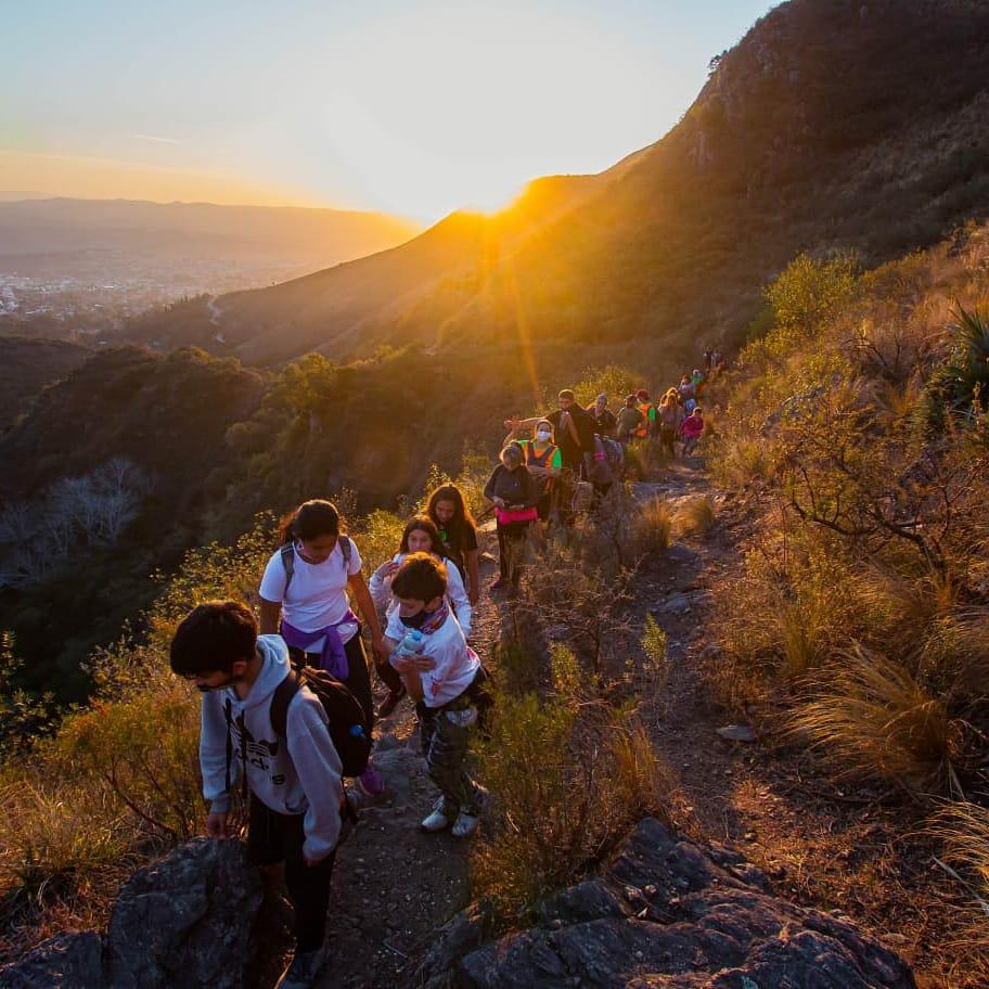 La Falda: Postales de una noche por el Cerro La Banderita